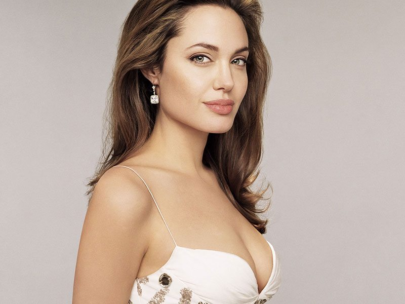 Celebrities who had Breast Implants | MCAN Health