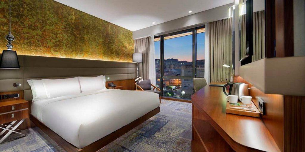 mcan-accommodation-Double-Tree-Hilton-Piyalepasa-3
