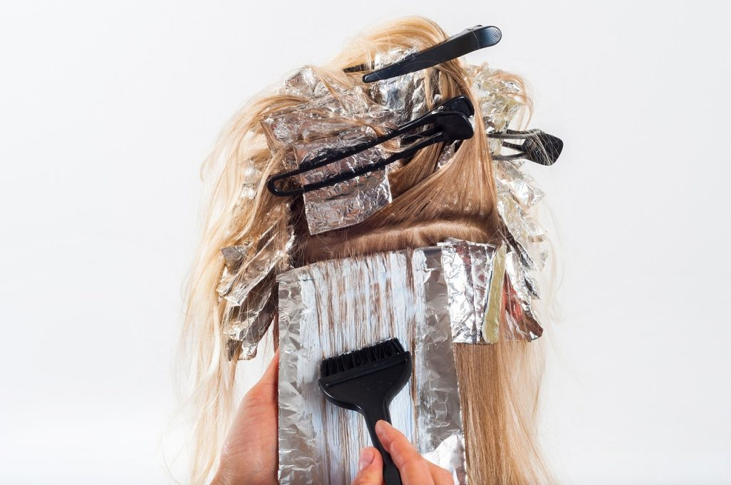 caída de pelo por uso de productos químicos