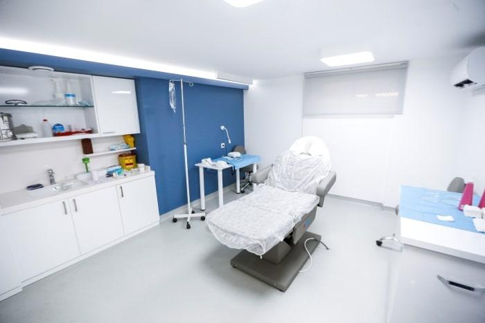 sala de trasplante capilar
